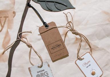 牛仔面料展Kingpins在季度性面料展之外,新增加了WHY展--它是一个商标秀的专场。该展会汇聚了全球顶尖商标、标签和五金件供应商带来的最新创新工艺和新产品。