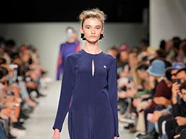 2020-2021秋冬里斯本《Awaytomars》女裝發布會