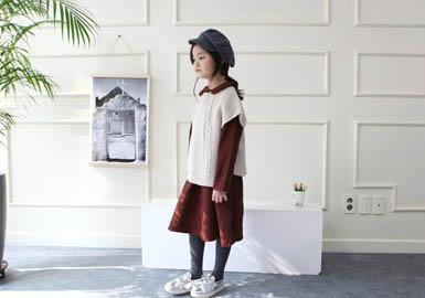 12月份下旬,童装上海批发市场开始陆续上17早春的款式,清新简约风的服装是在春季展现较为突出,占整体的款式比重有一定的提高。