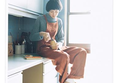 "conges payes来自于法语""paid holidays?#20445;?#26469;自日本设计师主要遵循舒适,简单,自然随性的穿着方式,让你尽情的和conges payes享受假期,享受属于你得宁静时光。以棉麻材质为主,没有夸张的色彩和搭配,简单的清新的?#21487;?#31995;,带来了干净透亮的时尚感,让你尽情的将?#32422;?#21253;裹在里面,自由的享受。"