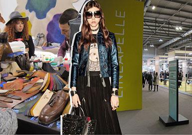 """第94屆Lineapelle展為歐洲和全球與會者展示了21687種不同的皮革和非皮革材質。參展商比起2017年2月的那一屆增加了5%,多了1254家。參觀者也有所增加,意大利上升4%,海外上升6%,進一步鞏固了該展會在時尚、奢侈品、家具和汽車行業的地位。此次展會的主題是""""同理心""""(Empathy),以真實自然的效果美化受科技影響的材質。三大趨勢展區的主題分別為自然與科技、雅致、運動休閑與觸感。這些關鍵主題再結合手工藝與技術性能,后兩者是當下鞋履和配飾市場的重點。可持續性仍然是皮革、合成纖維和織物的發展重心,品牌對環保事業應當更加重視。木屑可以用來制造靈活耐用的創意表面。花哨效果演繹青春趣味的風格。"""
