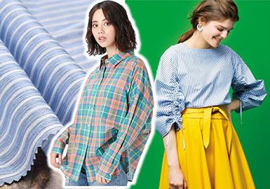 2018春夏熱度最高的一塊面料,無非是色彩豐富及最經典的黑白色系結合而成的條紋格襯衫面料,加入了款式、流行細節等工藝,更增添了浪漫的氣息。