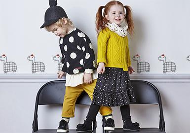 18秋季陆续上新,moimoln、Alfonso、Allo&lugh等韩国婴幼童品牌,款式俏皮可爱,穿搭性极强,极富趣味性的简笔图案,给与孩子最早的识物启蒙。