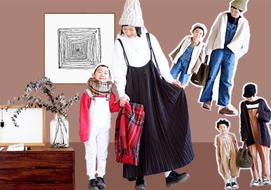 媽媽tomomi為了紀念和兒子kotaro在一起的點點滴滴,創建了ins賬號,并分享了非常有愛的日常親子裝,和一般的時尚穿搭不一樣,tomomi為自己和兒子選擇的親子裝多為棉麻系列的材質,干凈舒適的整體感受更適合日常穿著。