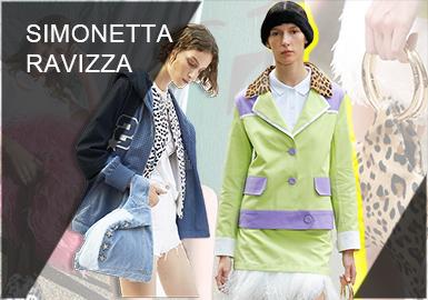 Simonetta Ravizza由皮草世家 Maison Annabella于20世纪90年代初在意大利创立。品牌以设计休闲、简洁的现代成衣为主,并采用精良的设计,混搭使用轻盈的现代面料和不同种类的皮草。Simonetta Ravizza有着典雅精致的摩登现代风格和较强的实用性。设计师Simonetta善于将昂贵的皮草与平价的牛仔、水洗帆布、皮革等面料相搭配,营造出符合年轻人喜好的冲突感,并因此在社交媒体上蹿红。在2019春夏系列中,品牌还推出了皮草手袋、帽子、腰带等多品类饰品。
