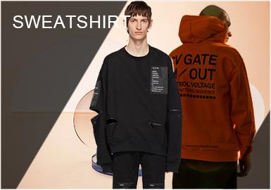 卫衣作为秋冬季节必备的单品之一,越来越受到更多人的青睐。它的舒适、百搭、时髦减龄的特性,使得其在每一年的潮流时尚圈中,从未掉线。卫衣的塑造性也极强,多元化的设计手法,塑造更独特个性的穿搭。拼接设计依然占据卫衣设计的主导地位,刺绣方面得到更多样化的表现,常见的印花或文字等图案设计也是不可忽视的一部分。