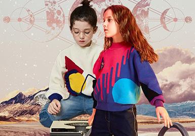 """有质感又有分量的织物是秋冬季节的特别""""限定"""",简单易搭配且细腻柔软的毛衣在19/20秋冬的各大童装品牌中占有很高的比重。在此,我们针对Mini Peace、little MO&Co.、Balabala、MQD和和GXG.kids这些标杆品牌,通过仿貂毛绒触感面料、丰富的色块感组合、文字的运用、花式针法的呈现等各方面进行综合分析。"""