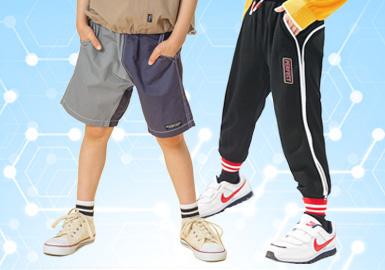 根据近一个月用户浏览下载关注数据分析,综合评选出男童裤装单品TOP热榜。时尚休闲风(41%)、日韩风(33%)依旧是大家主要关注的风格,工装风及新锐设计风关注度也有所上升。图案方面则依旧以字母和动物印花为主,结合贴布绣花,手工立体装饰等形式体现更多样化的设计。牛仔面料与各种不同形式的条纹、格纹的加入也为裤装带来不少惊喜。
