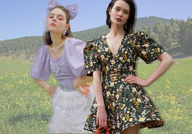 本篇报告围绕欧洲设计师品牌展开的综合分析,2020春夏季的更加偏向于少中淑带来的浪漫与优雅感,强烈的女性化柔美风是本篇报告的主要调性;每一件单品都能够为视觉带来一场新的浪漫旅程。蓬松的袖型、细碎的花卉、半透的面料材质都是2020春夏欧洲女装设计师品牌下的主要思路,色彩上整体色调以低饱和度的粉彩色调为整个风格的柔和基调。