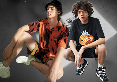 Urban Revivo、Zara、Pull&Bear和H&M等品牌一直是国内快时尚最易接受的品牌。2020春夏系列,品牌都通过不同的主题来凸显品牌文化。Urban Revivo以浮夸的摩登与夸张的叛逆细节,拒绝同化的墨守成规。80年代的身影,交错停留在霓虹光影之间,于夏日郊外,捕捉未来极客。Zara则以随性工装风诠释风度,复古造型融合精妙剪裁,男性的刚烈、温和、自信逐一低调彰显。Pull&Bear和H&M以时尚的图案或款式吸引眼球,诠释时尚的魅力。