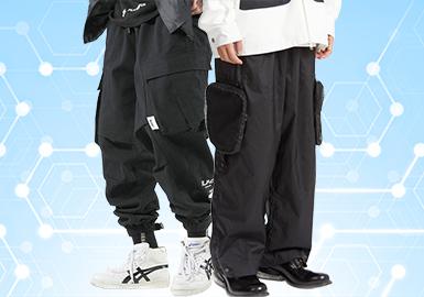 根据POP 5月份用户下载量的TOP100男装中长裤数据分析,商务休闲风格占比相对较高,与上月相比有明显增长,工装风格稳定持平。图案上以格纹、条纹为主,植物花卉紧跟其后,因工装风格的持续发酵,辅料上的选择搭配也侧重于织带和装饰拉链,丰富了款式的细节,增强了款式的品质感与精致度。