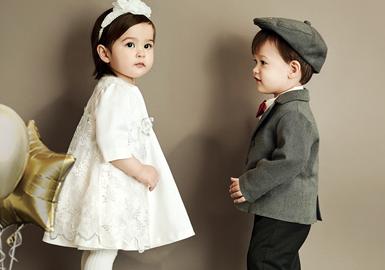 以英国传统经典元素为设计灵感的韩国婴幼童品牌ETTOI,追求悠闲又有趣的生活方式。在20/21秋冬ETTOI以植物花卉、趣味动物为主要图案元素,与俏皮可爱款式融合,融入可爱造型,打造舒适、趣味 实用的婴幼童系列。