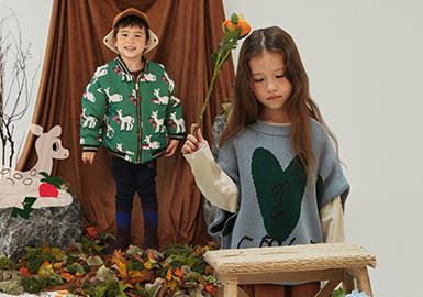 与插画艺术家的合作,让Limitedoudou的艺术感觉愈发强烈,趣味而艺术的品牌风格亦越来越受关注。20/21秋冬从色彩和图案出发,细节和工艺并用,Limitedoudou以艺术几何、趣味动物、落叶花卉等元素为灵感,将艺术与时尚完美融合呈现。