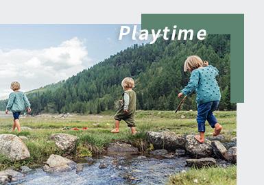 今年Playtime展会以线上展的形式于2021年2月10-12日开幕。此次Playtime以环保可持续为设计理念,通过杂志、博主、时尚达人推荐的方式来叙述各个环保时尚品牌,以直播的方式展现出环保趋势下多样的设计风格。