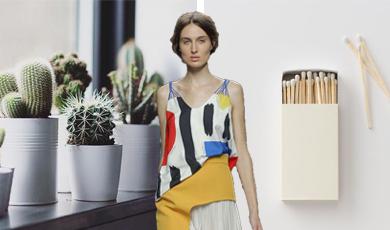 吊带式衬衫主要以细肩带的造型出现,一般作为上衣搭配款式出现,只为凸显出女性妩媚、柔美的风格特点,在款式上与印花、抽绳、系带、纽扣、蕾丝饰边等装饰。